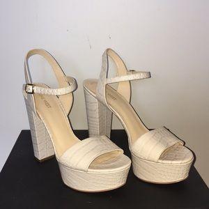 Hot af Nine West white snakeskin platform heels